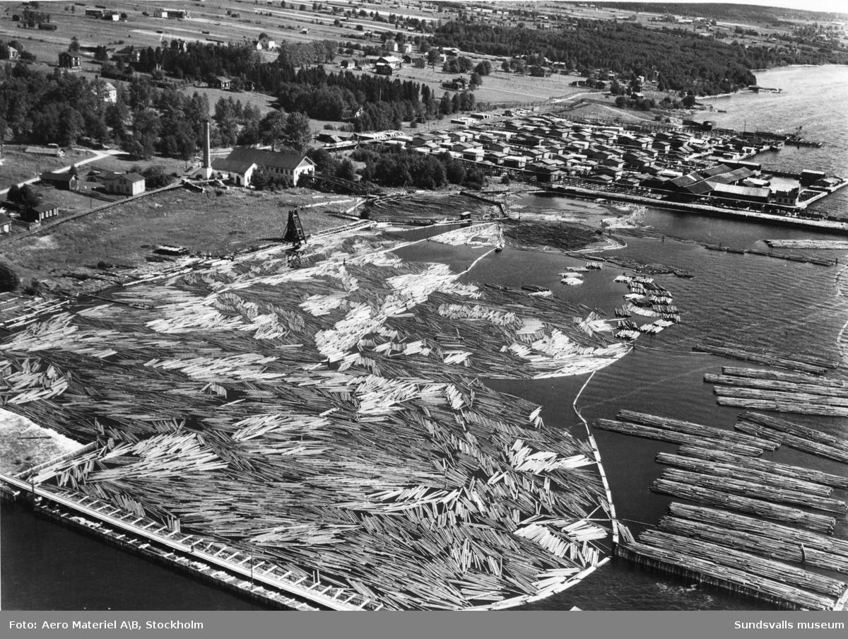 Flygbild över Sörviks sågverk i Söråker.