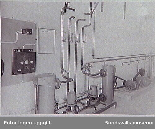 Sundsvalls gasverk upphörde med driften i oktober 1961. - Gasverket togs i bruk 5/12 1867 och drevs som kolgasverk fram till 19/7 1951. Från juli 1951 övergick gasverket till distribution av en blandgas gasol och luft.
