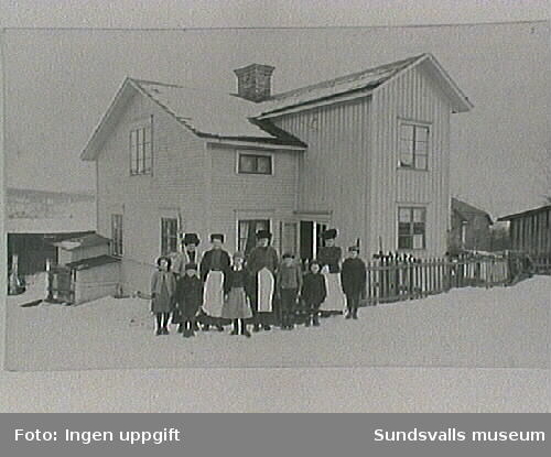 Hus i Sundsvallstrakten. Inga närmare detaljer kända
