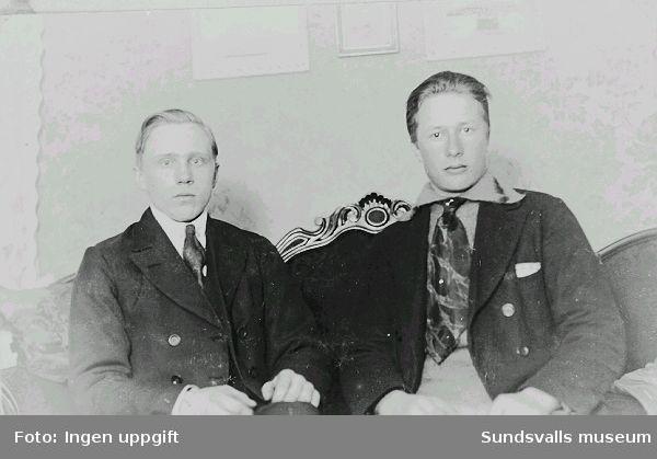 Erik Edblad t.v. och Backlund, Ragunda 1922.
