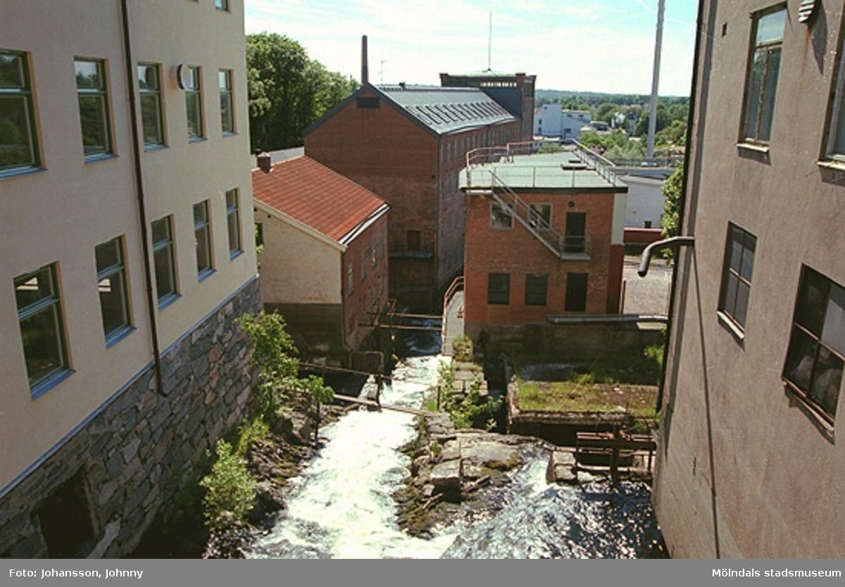 Överst till vänster: Kvarnfallet 18 (Tvätten).Nedre hus till vänster: Kvarnfallet 19 (Lilla Götafors) samt Kvarnfallet 22, 23 (Stora Götafors).Till höger: Kvarnfallet 13.
