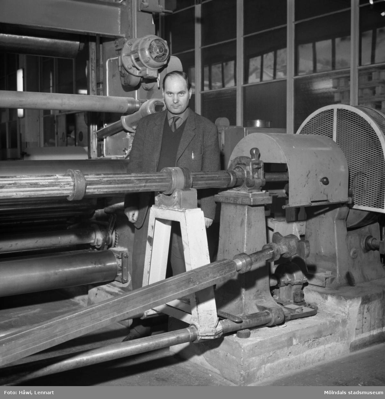 Spindel till kartongmaskinerna på Papyrus i Mölndal, 16/2 1963. Ny konstruktion av förman Idor Johansson.