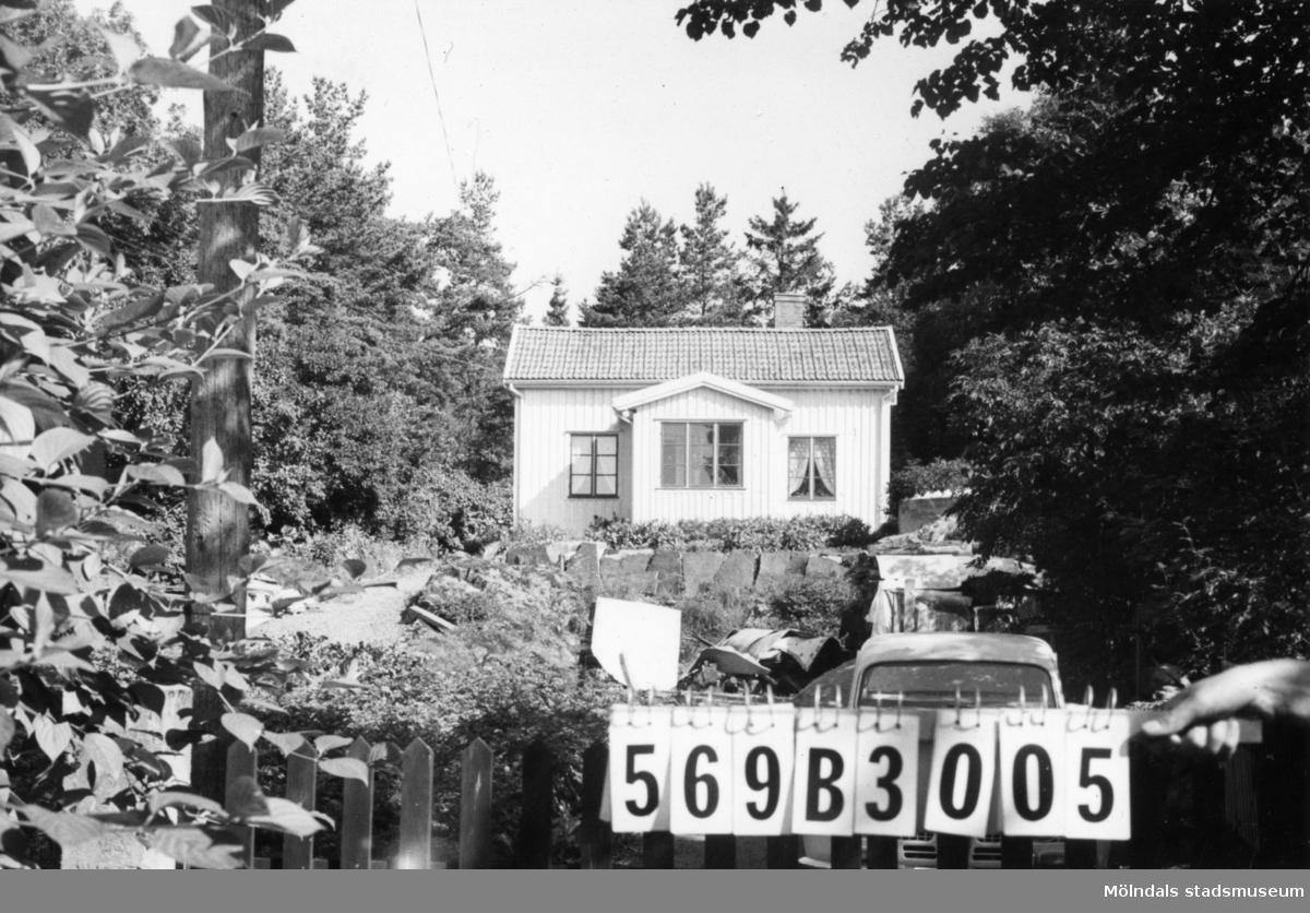 Byggnadsinventering i Lindome 1968. Fagered 1:20. Hus nr: 569B3005. Benämning: permanent bostad. Kvalitet: god. Material: trä. Övrigt: virkesupplag på tomten. Tillfartsväg: framkomlig. Renhållning: soptömning.