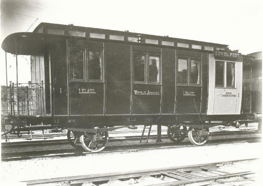 Fotografi föreställande AD nr 1 på järnvägssträckan Wittsjö-Hässleholm, tillverkad 1889.