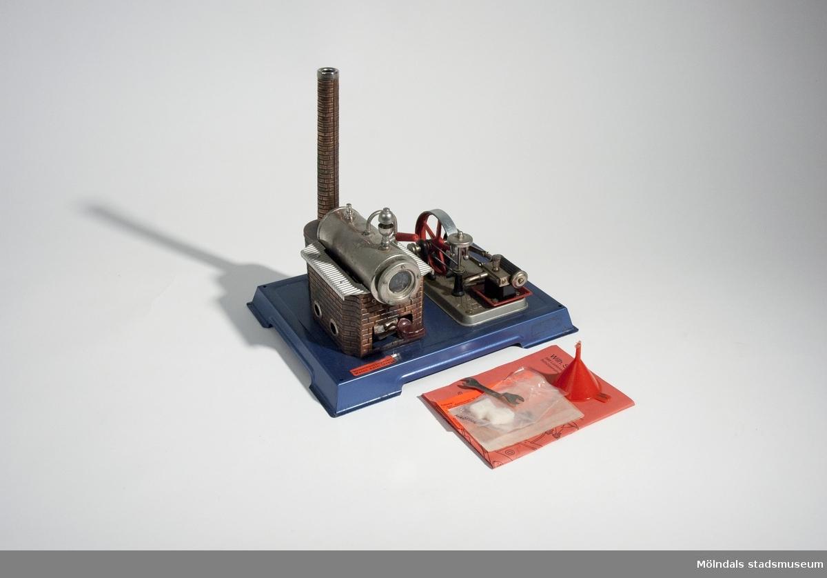 Ångmaskin med tillbehör