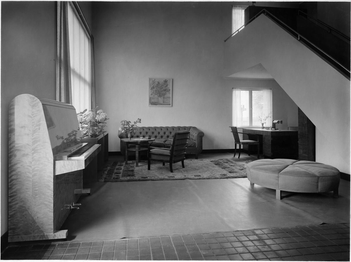 Stockholmsutställningen 1930 villa 46: vardagsrum.   arkitektur ...