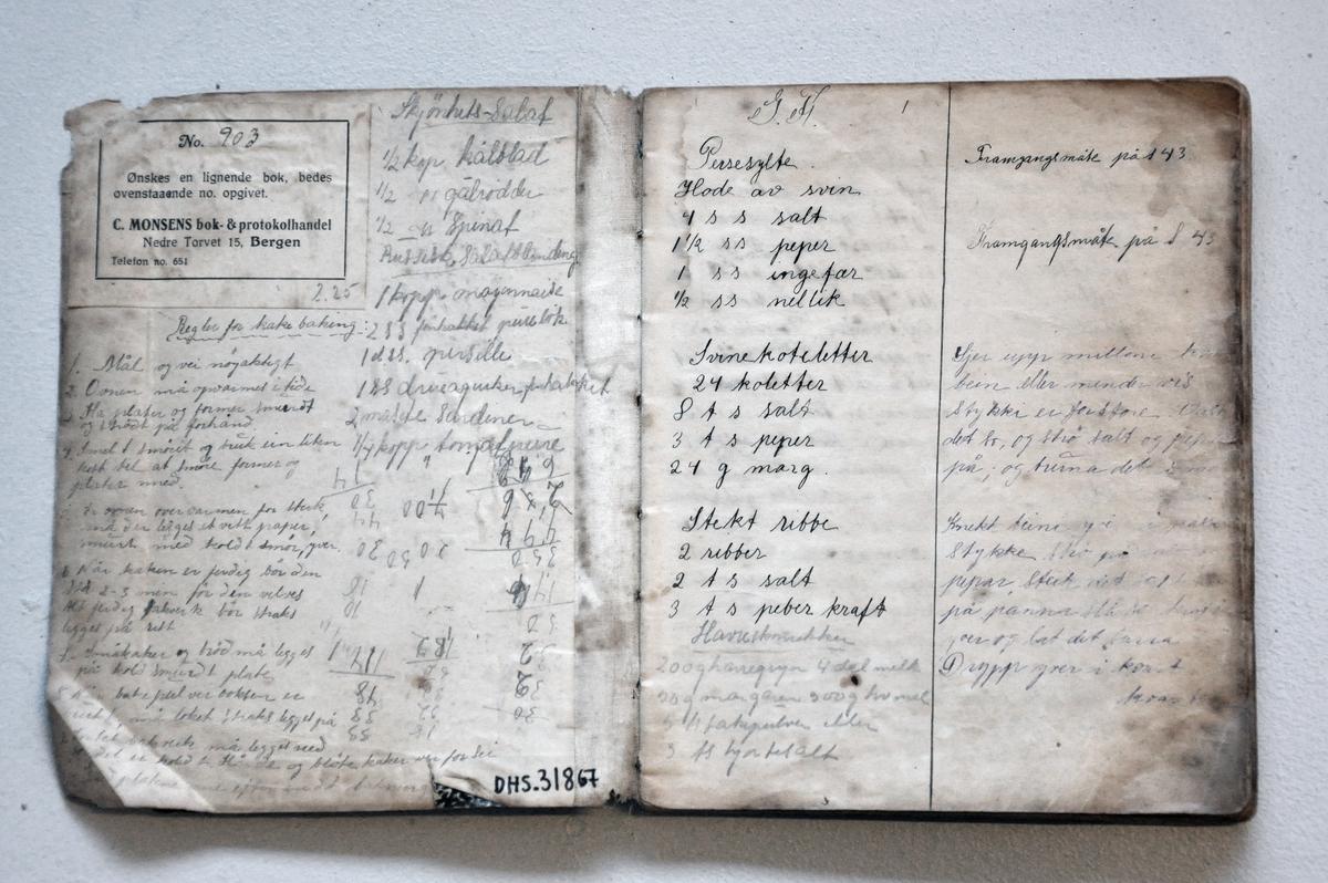 Handskriven oppskriftsbok