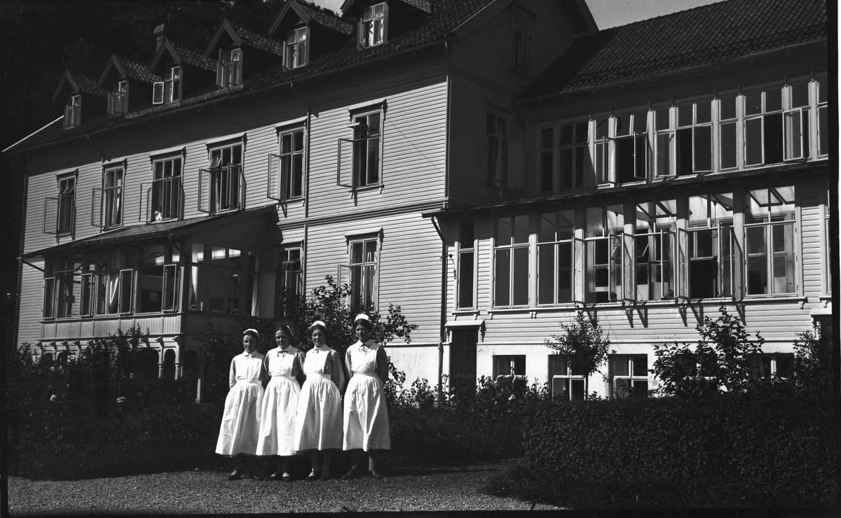 Sjukepleiarar ved Hagavik Kysthospital