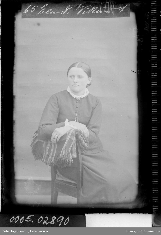 Portrett av kvinne.