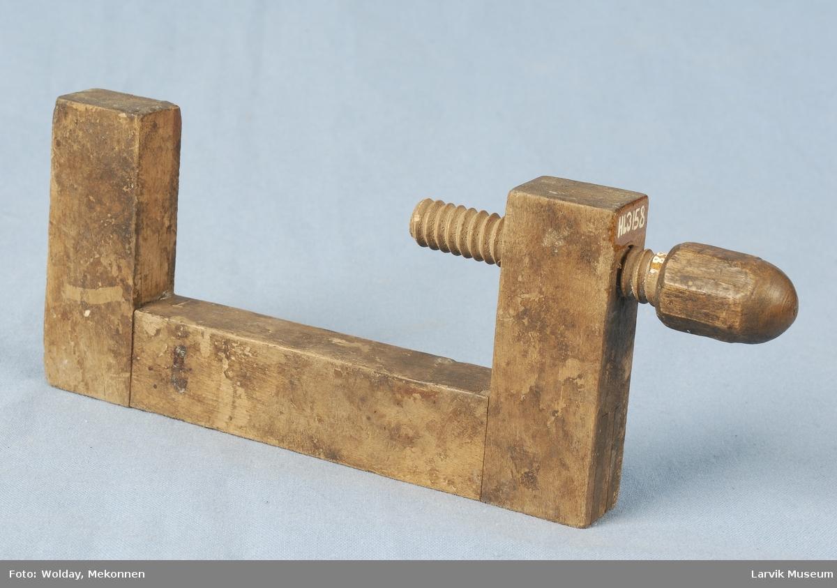 Form: skruens håndtak har 8 sider
