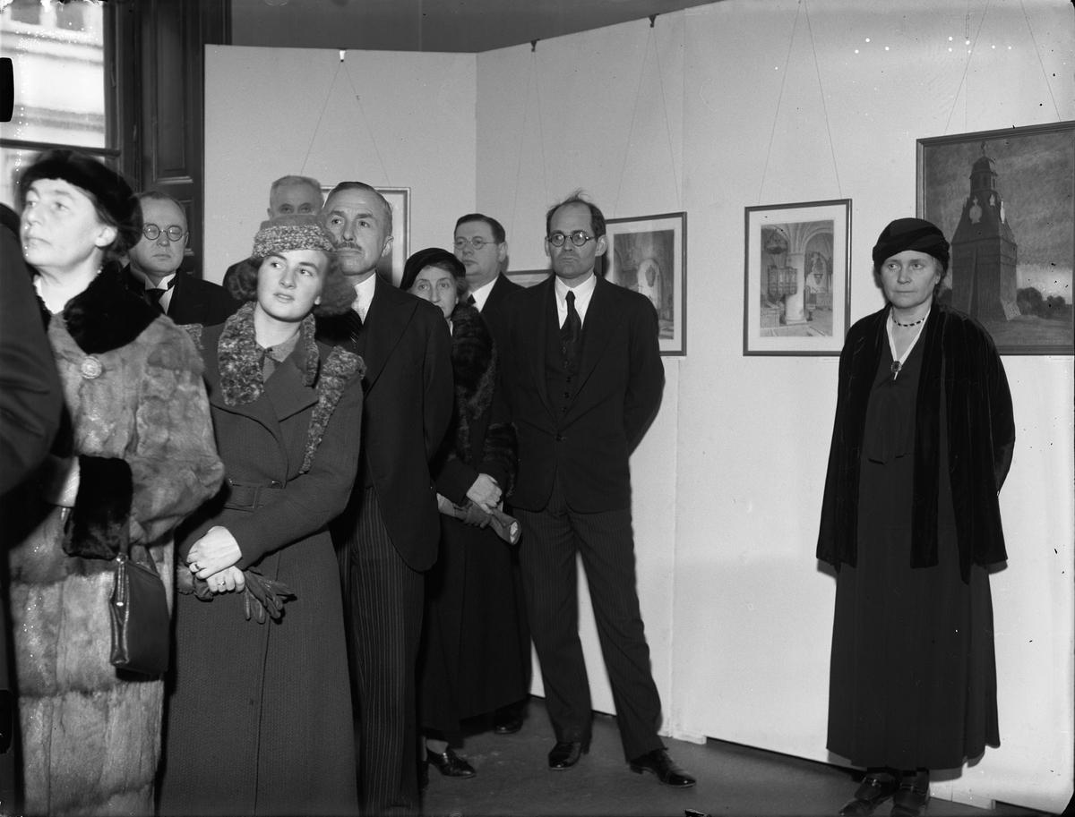 Publik på utställning med arkitekten Ferdinand Bobergs akvareller, Uppsala februari 1934