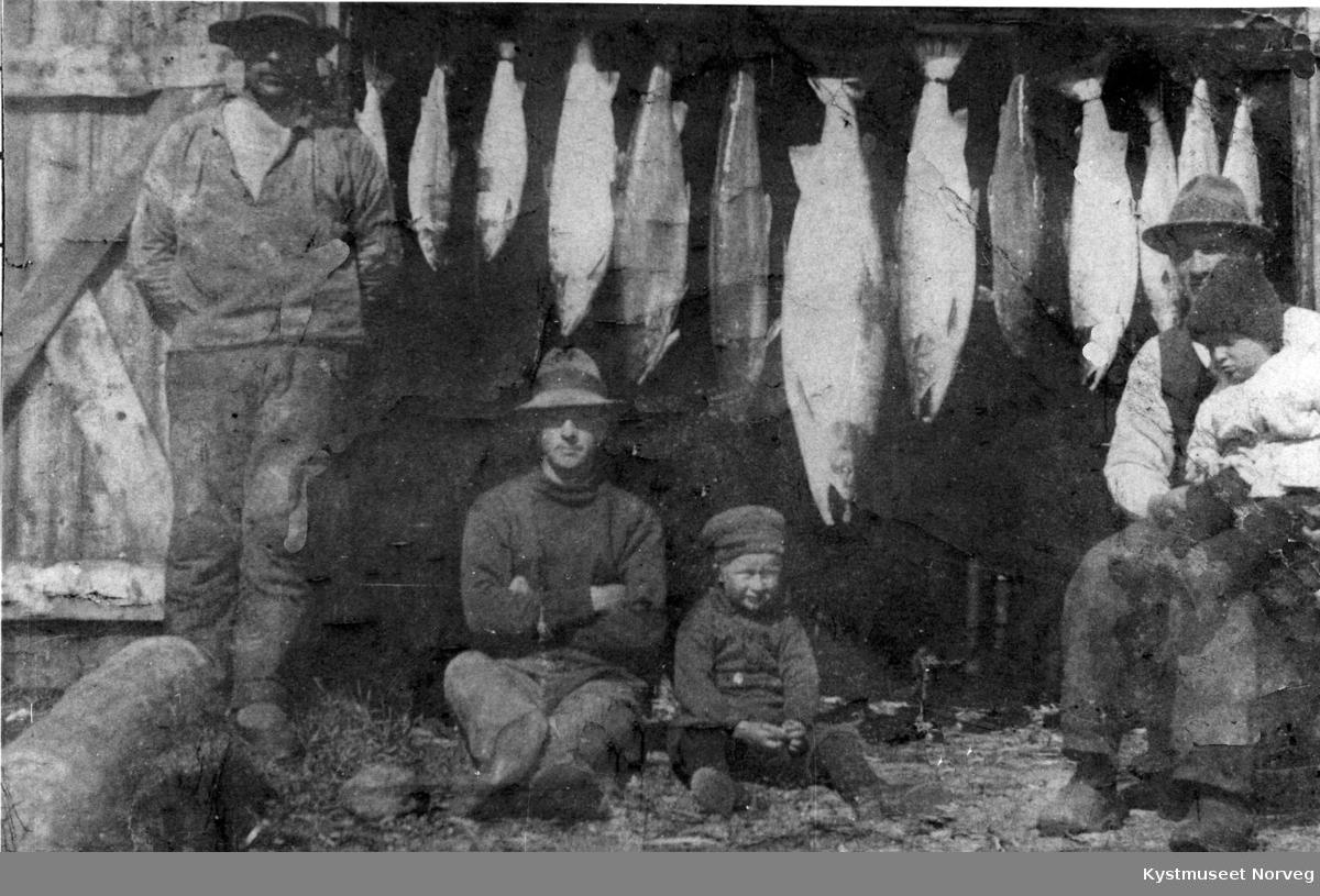 """Peder Kildal, Jim Rath, Alfred Rath, Petter og Erling Staven Flatanger, """"Kværnøya"""""""