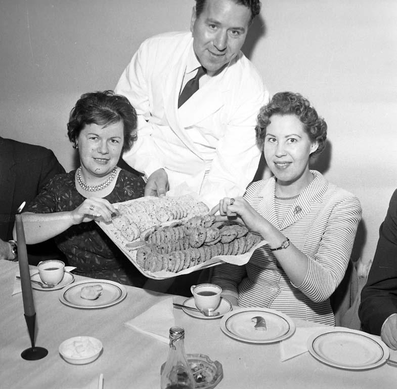 """Enligt notering: """"Konsum Julfest Jan 1961""""."""