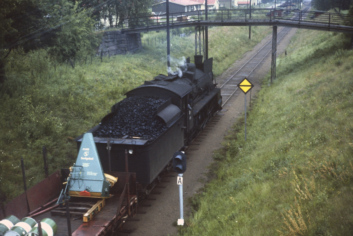 Godstog på Solørbanen trukket av damplok 26c nr. 433.