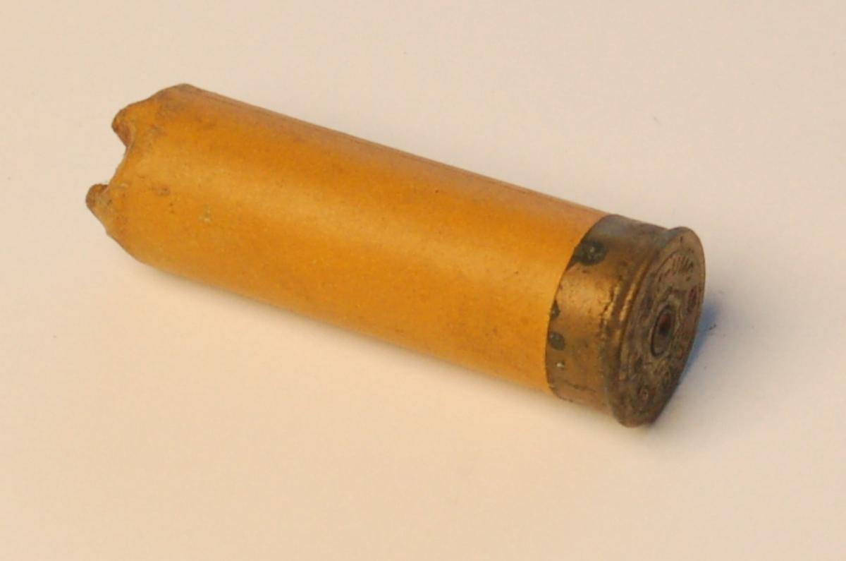 Rørformet haglpatrone i kaliber 12.