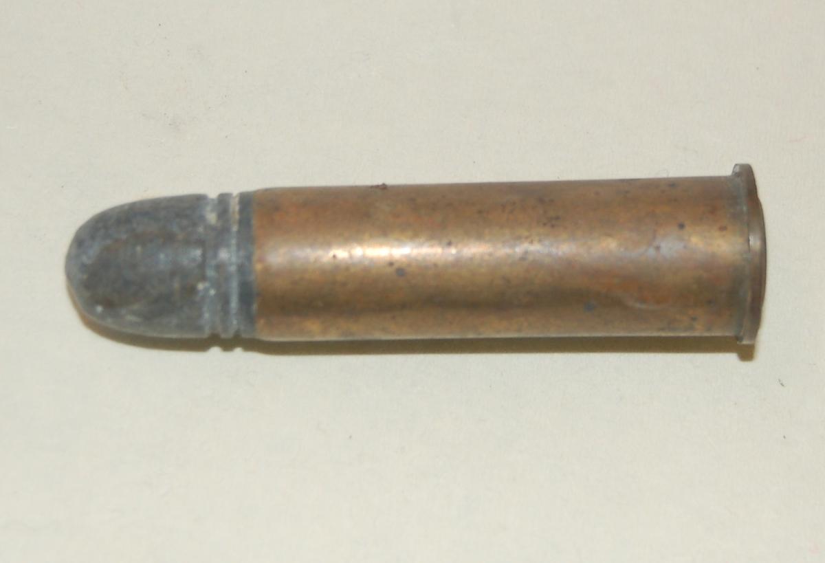 Sylinderformet patron med blykule.