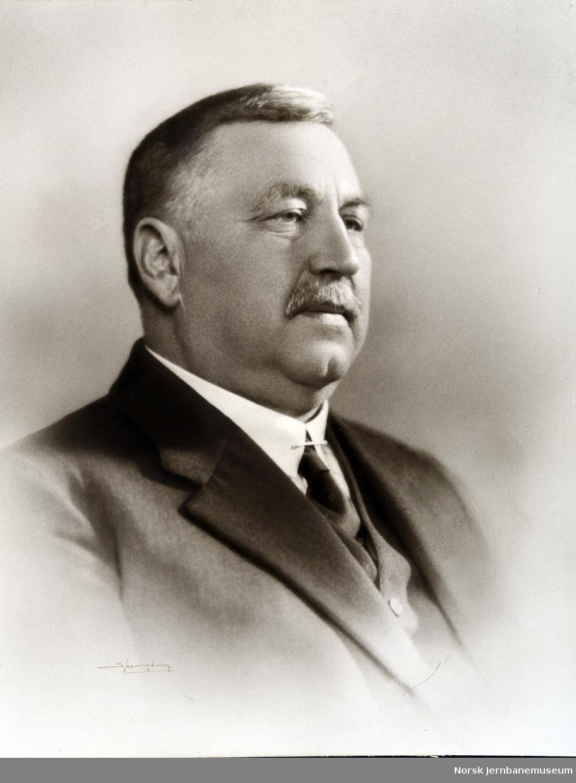 Portrett av distriktssjef Harald Poppe, Hamar
