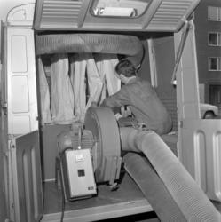 Ny modern sotningsbuss underlättar jobbet för sotarna.