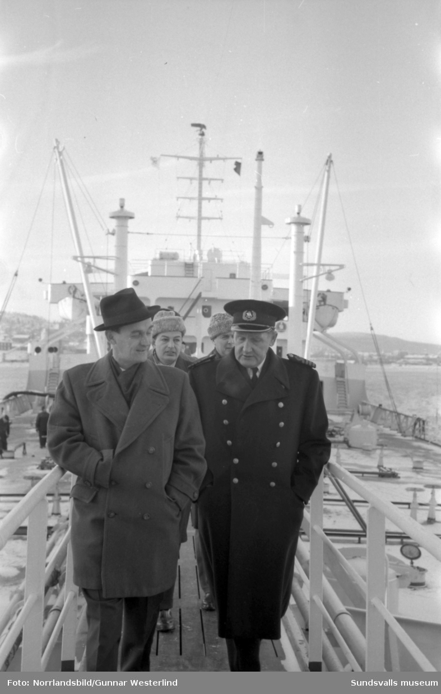 OK:s nya tankfartyg Okeanos med kapten Erik Manvall.