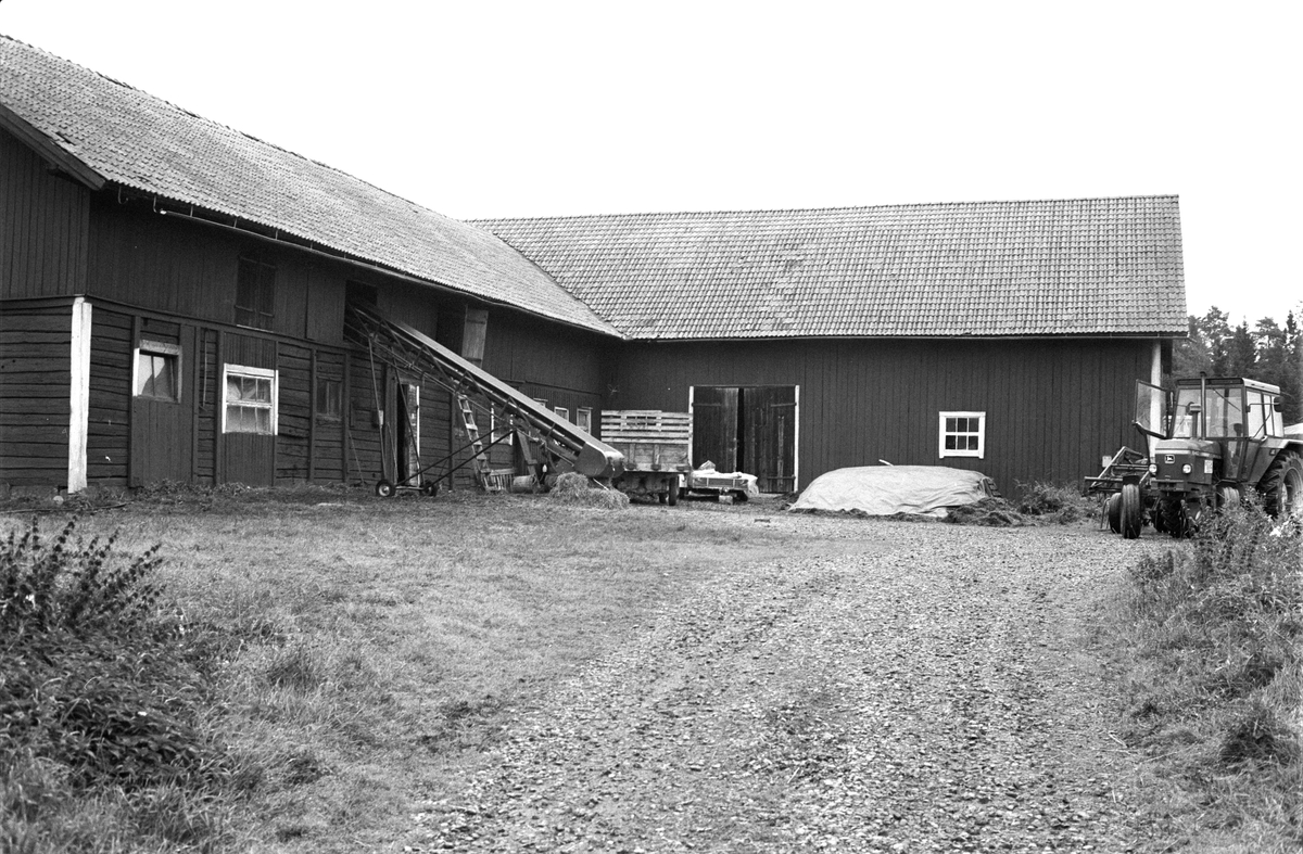 Loge, Bol 3:1, Rasbokils socken, Uppland 1982