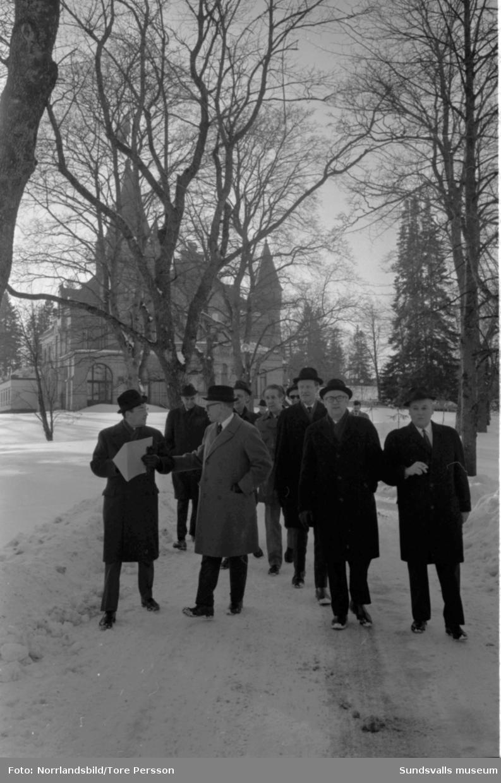 Överlämning av flottningsarkivet till SCA:s arkiv i Merlo slott.