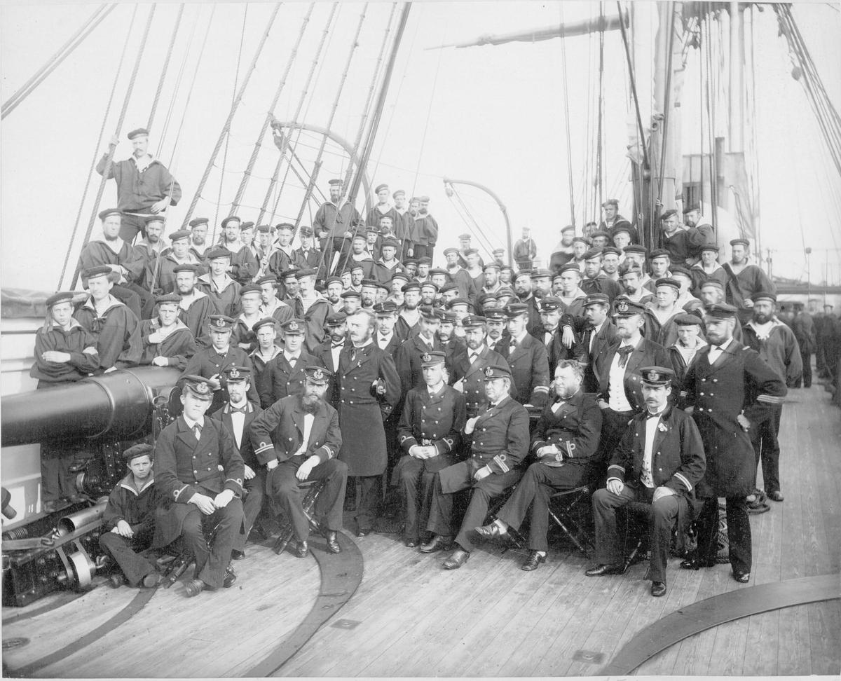 """Motiv: Besettningen om bord på """"Ellida"""" 1883"""