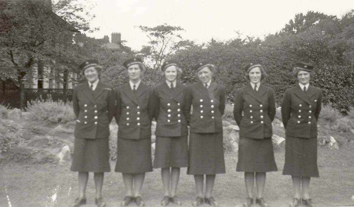 Motiv: Marinens Kvinnekorps 1942-1945 6 MKK'er