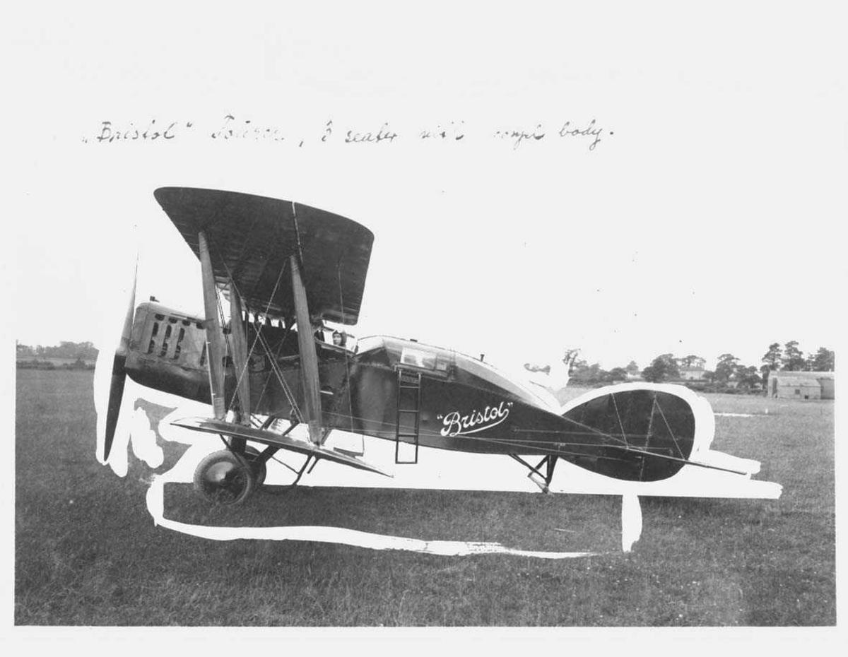 Ett fly på bakken, Bristol Tourer.