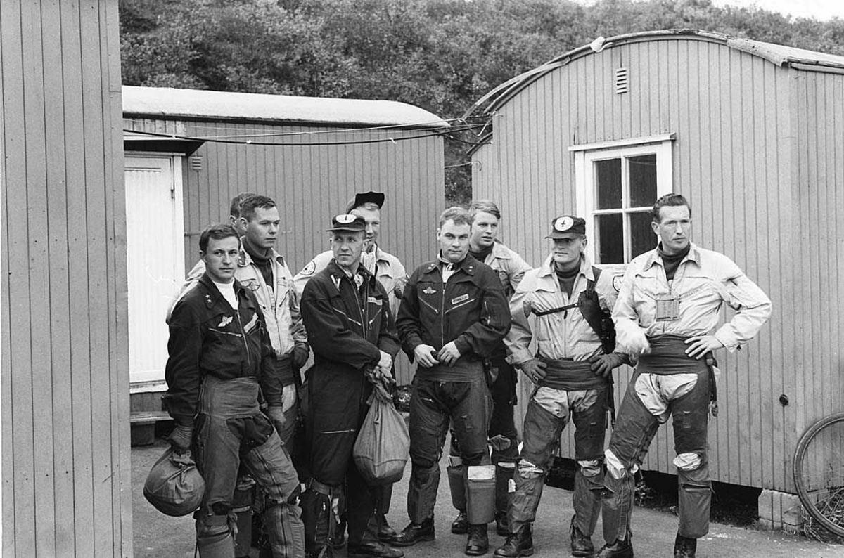 Gruppefoto av jagerflypiloter.
