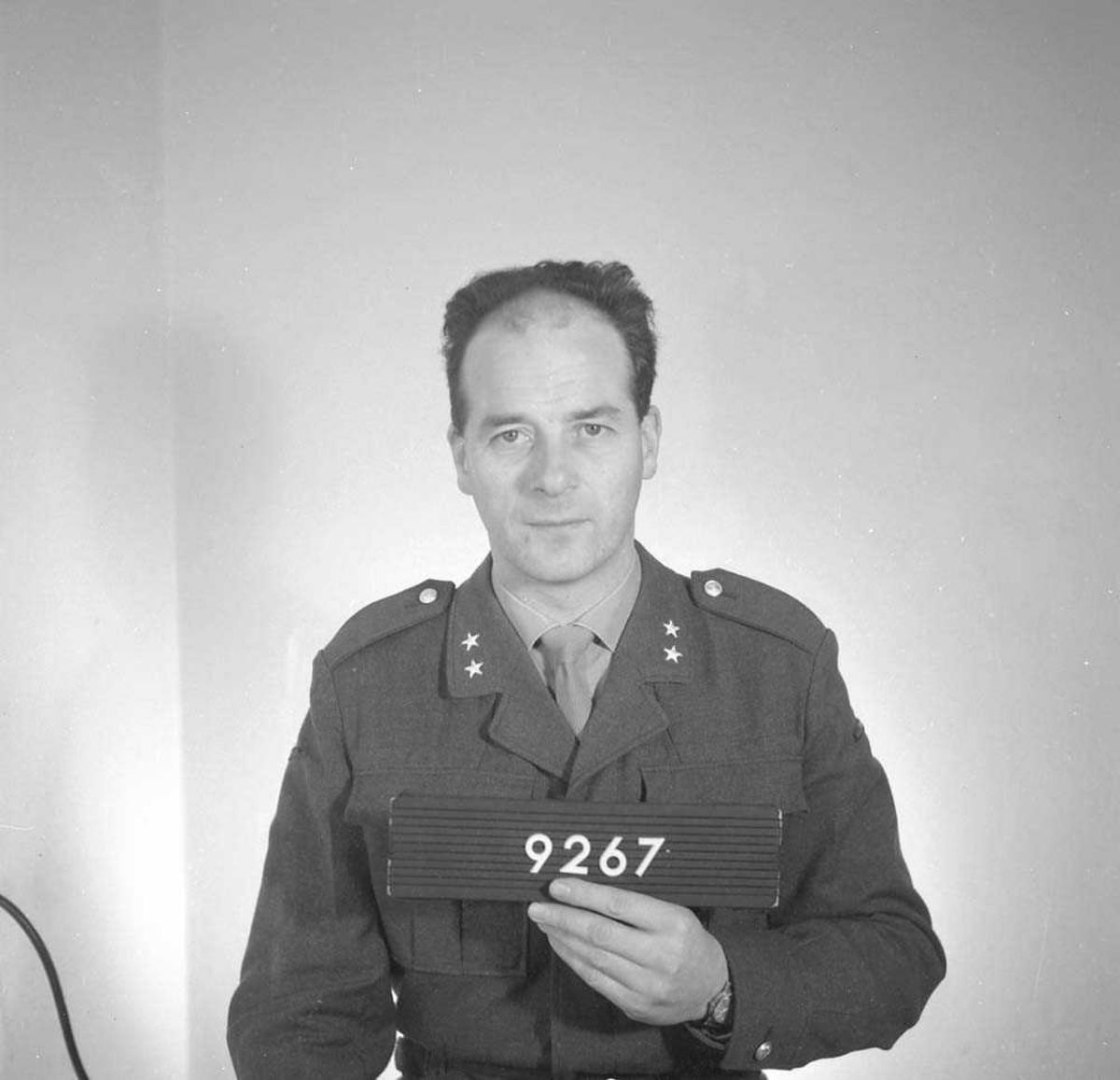 Portrett av Løytnant Pettersen, Vollmester, Bodø flystasjon.