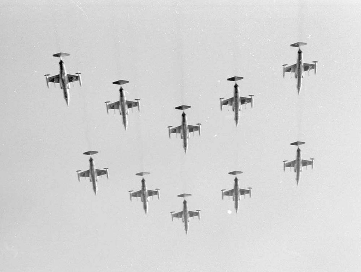 331 skvadron, Bodø flystasjon, 10 F-104G Starfighter i formasjon.