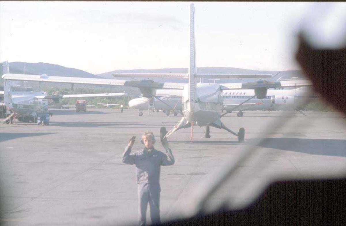 Lufthavn/Flyplass. Parti fra Tromsø Lufthavn, Langnes.