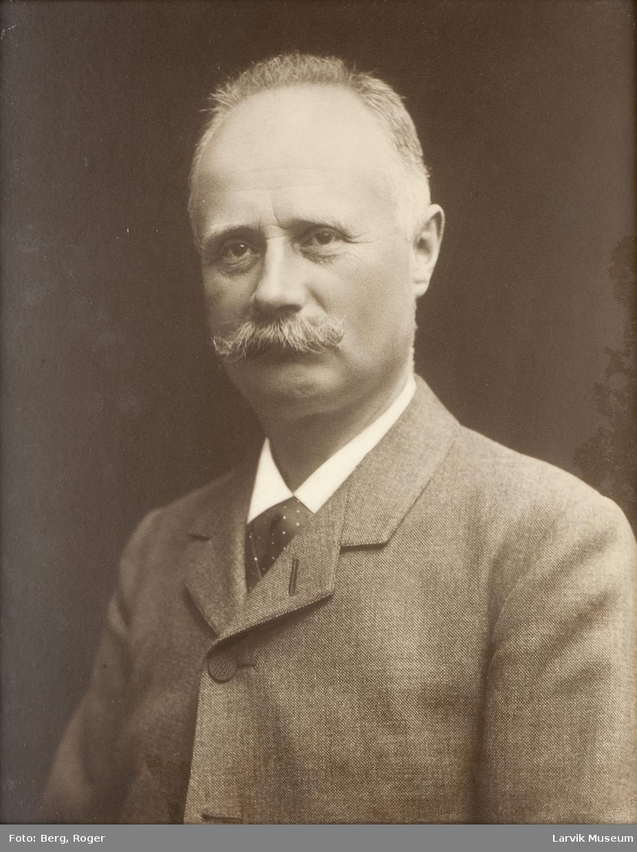 Anders Christian Hansen, Larvik, f. 1918. (Arovna, Pegasus m.fl)