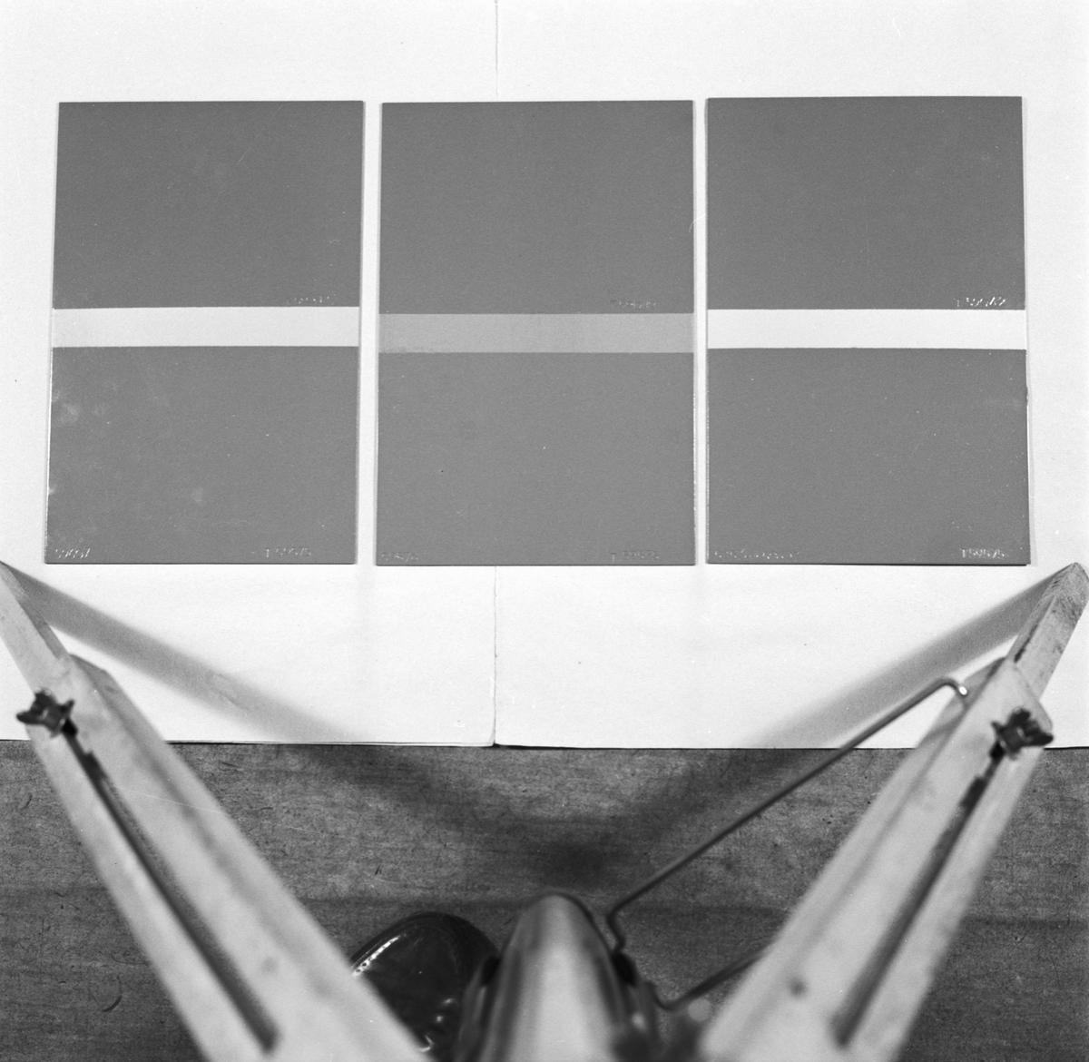 Övrigt: Foto datum: 10/5 1957 Byggnader och kranar Färgplåtar prover. Närmast identisk bild: V13761, ej skannad