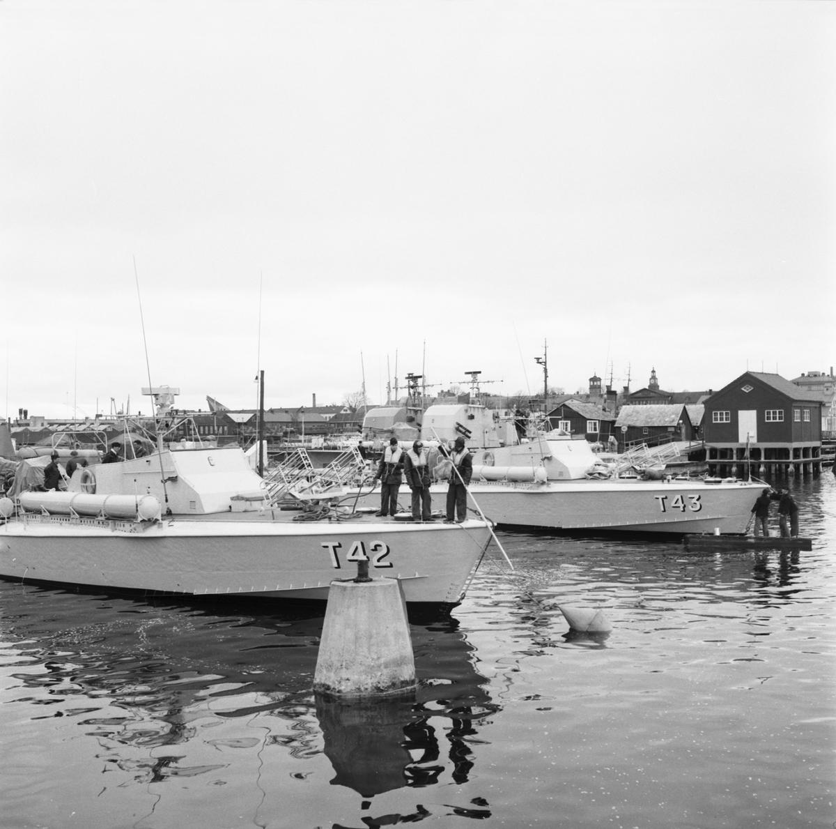 Fartyg: T 43                            Rederi: Kungliga Flottan, Marinen Byggår: 1956 Varv: Kockums Övrigt: Raketställ.