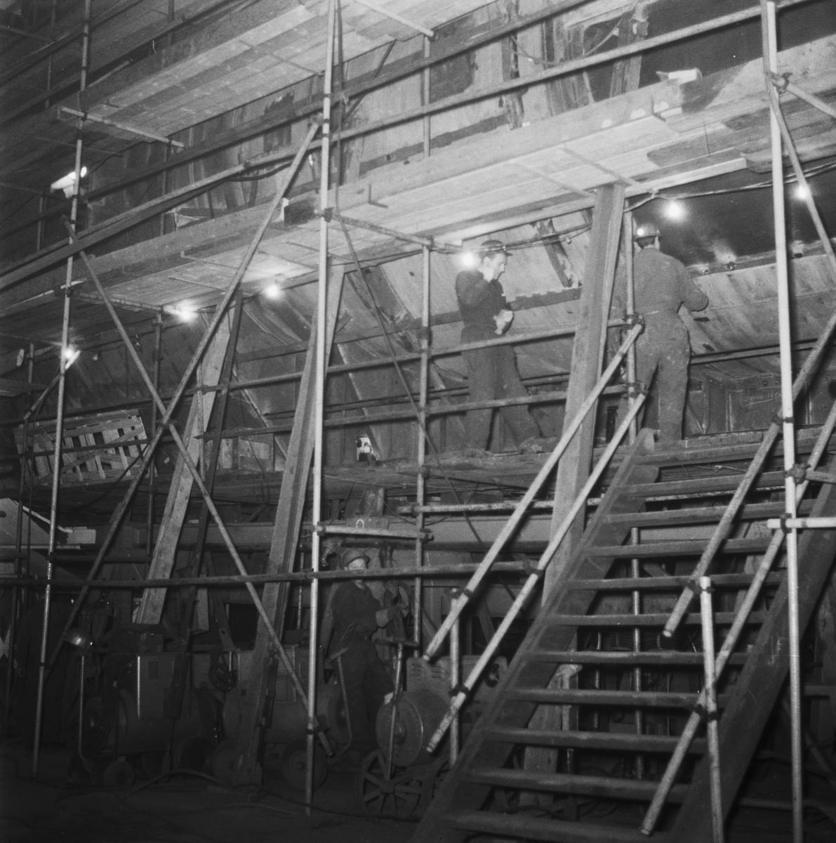 Övrigt: Foto datum: 6/11 1960 Byggnader och kranar Varvsrevyn 1960-1961