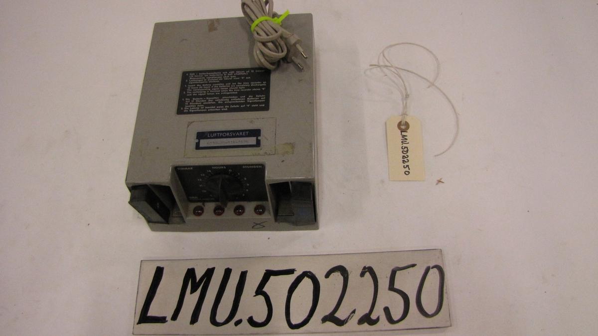 Batterilader m/2 batterier R6-146673