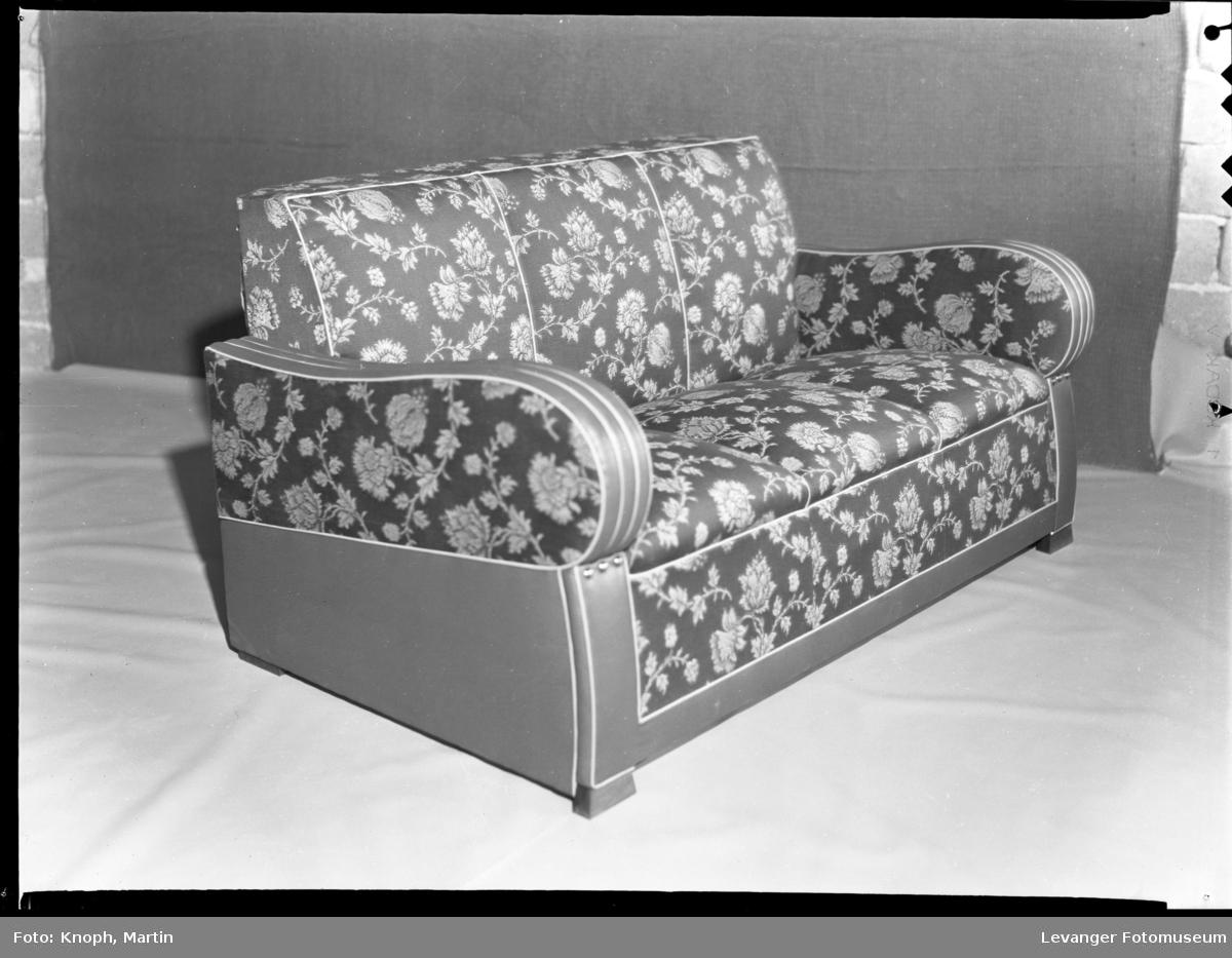 Sovesofa fra Nordenfjeldske stol og møbelfabrikk, Sparbu
