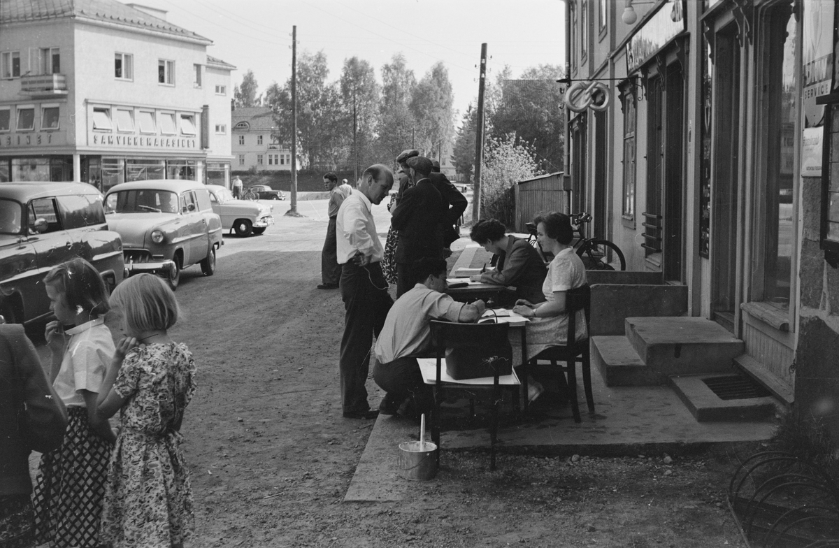 Fra billøp i Elverum. 1954. Sekretariat.