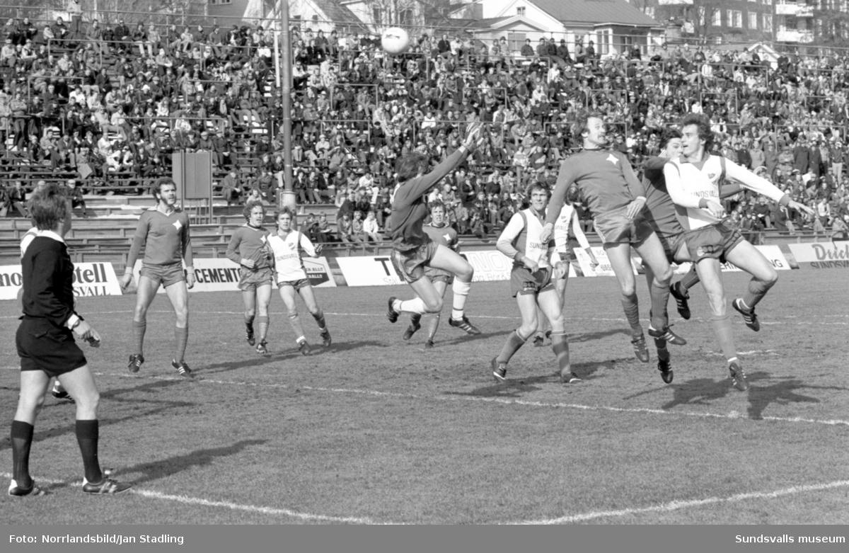 Fotboll, IFK Sundsvall-AIK 0-1. Spelarskador, massör och läkare.