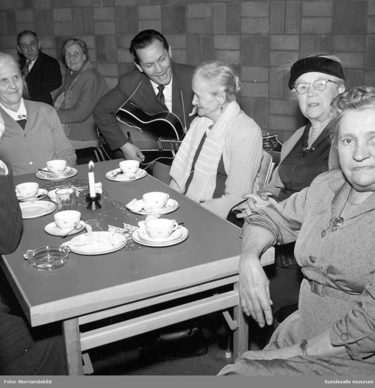 Pensionärsfest på Skönsbergs folkets hus.