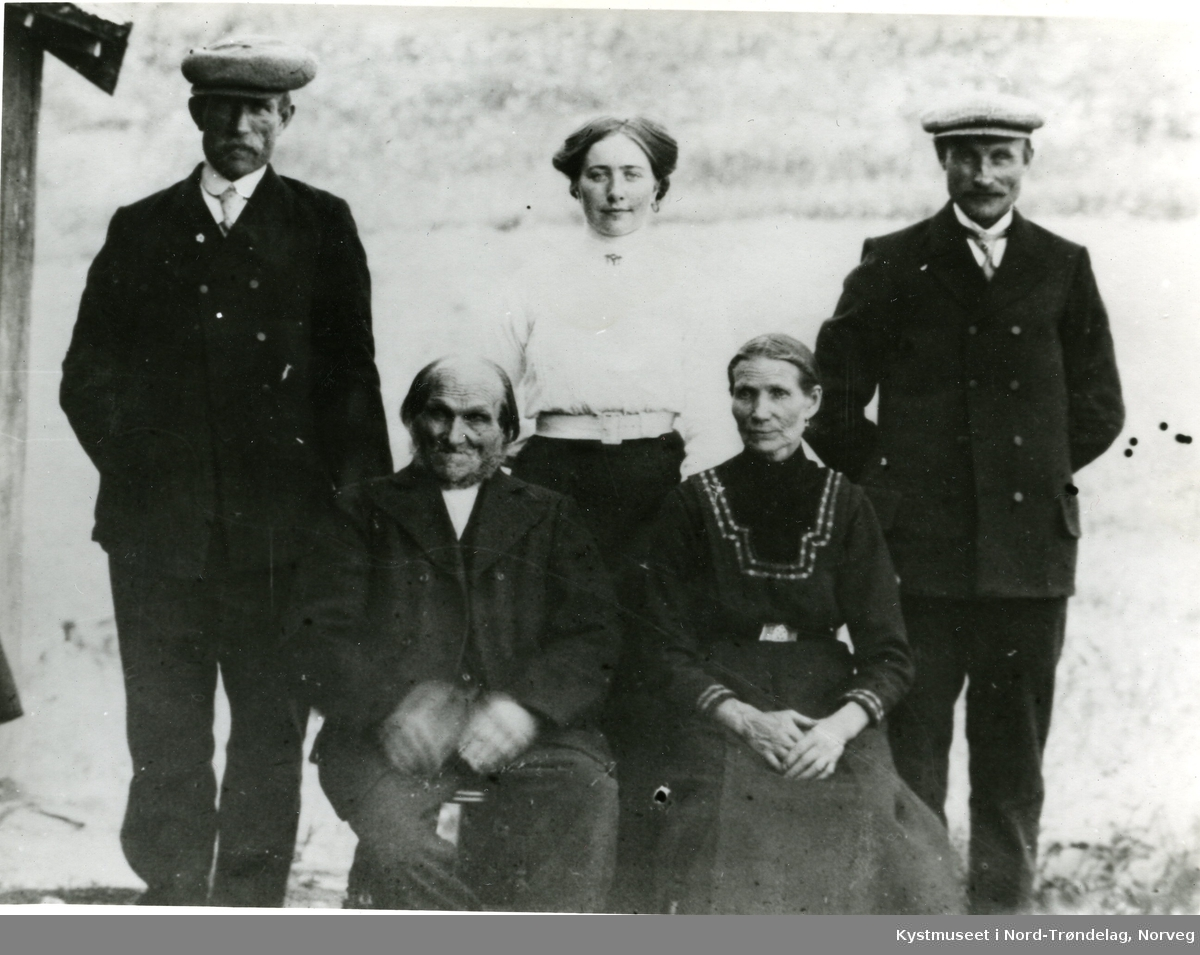 Jonas Dragland, Georg Nielsen Dragland, Kaja Dragland, Julianne Iversen Dragland og Konrad Dragland