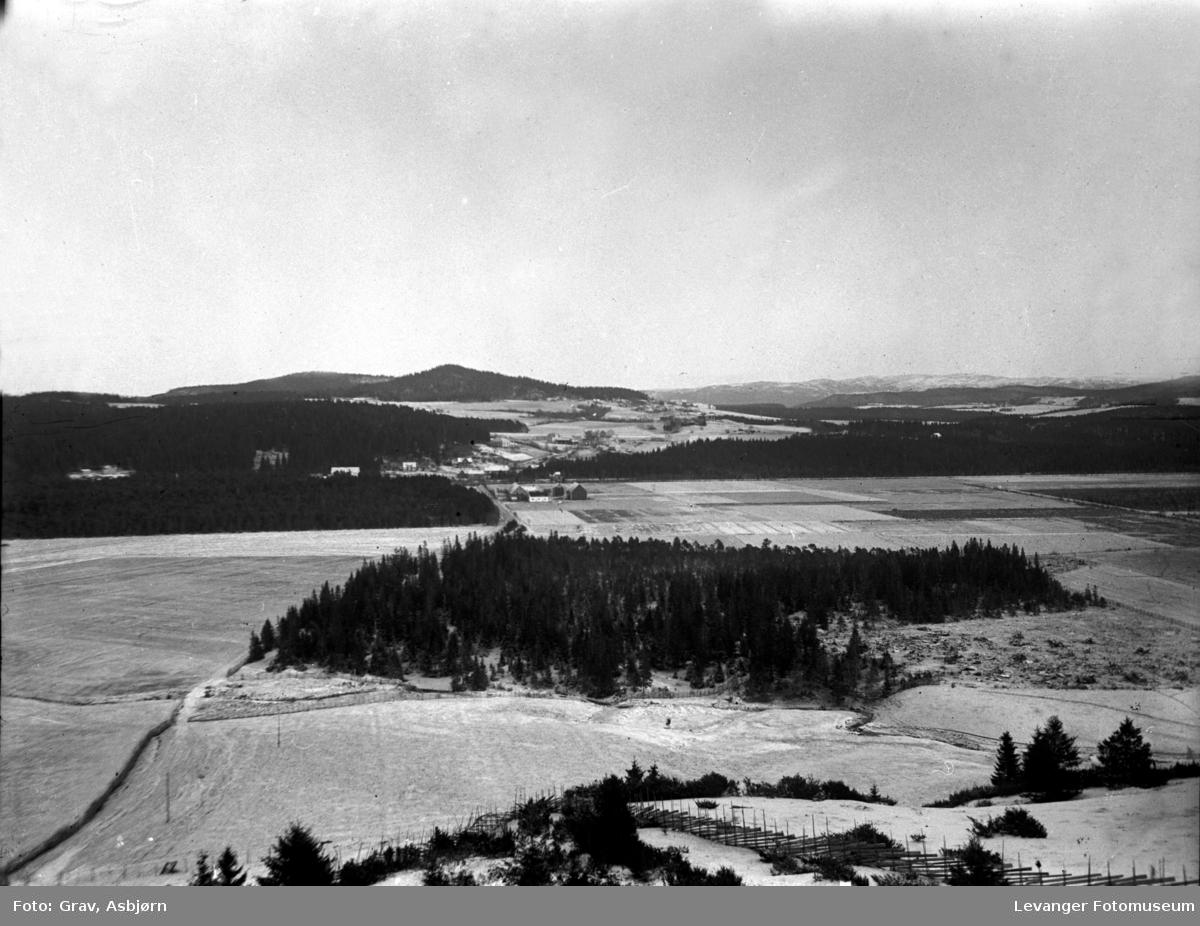 Utsikt fra Mære landbruksskole østover.
