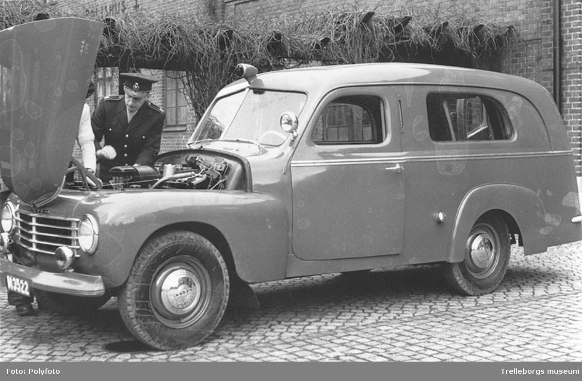 Ambulans, 1950-tal. På bilden, brandförman Edvin Svensson.