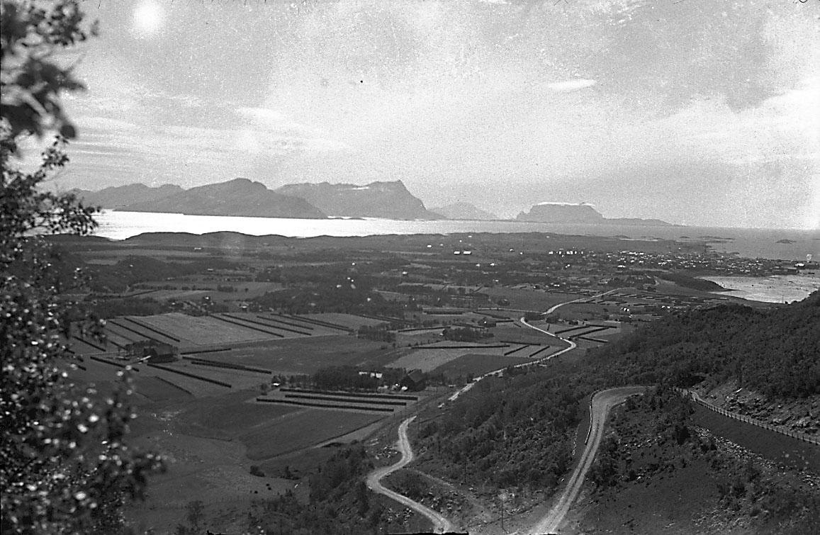 Oversiktsfoto av tettsted/by.