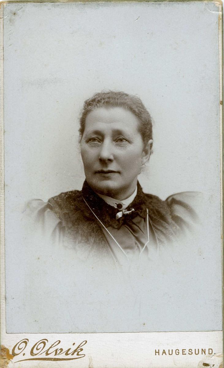 Portrett - Anna Nymann, født 3/12 1846 - død 26/4 1924. Født i Stavanger.
