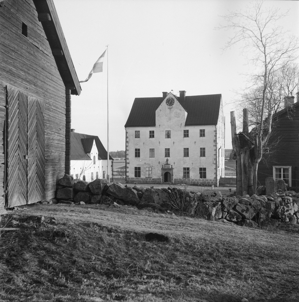 """""""Påskpromenaden"""", Salnecke slott, Gryta socken, Uppland 1948"""