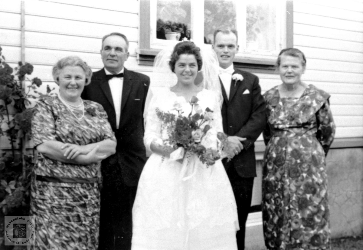 Brudeparet Astri og Finn Skuland.