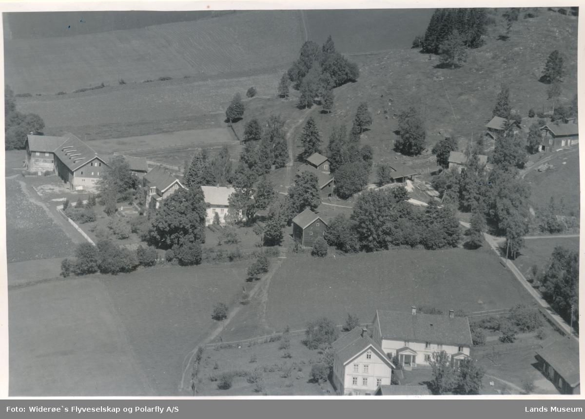 Midtberg, Hov, Søndre Land