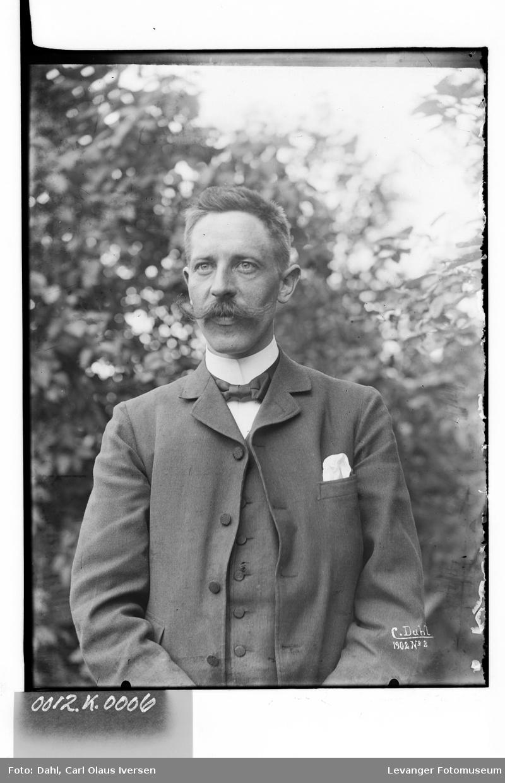 Portrett av Carl Olaus Iversen Dahl